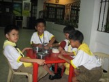 Fiore School in the Philippines - Several students from Fiore school enjoy lunch